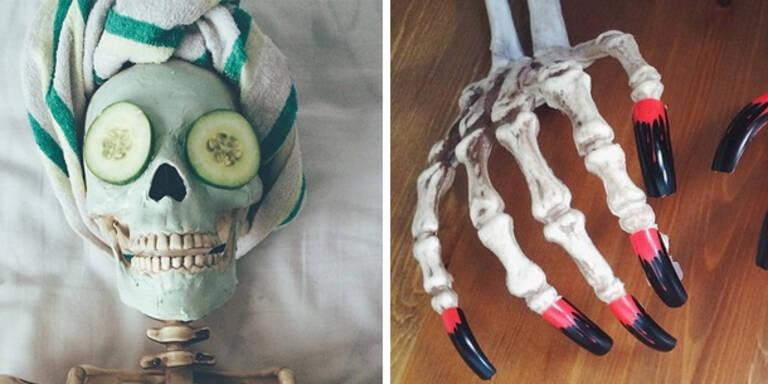 Ein Skelett macht auf Instagram-Blogger