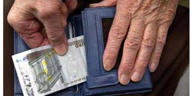 Taschendiebe erbeuteten 15.000 Euro