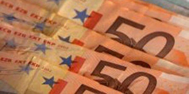 Betrüger verspielten 23.000 Euro