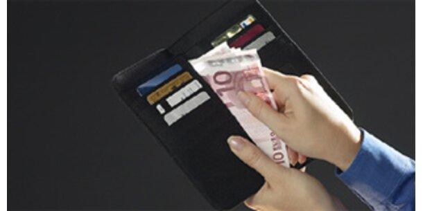 Österreicher zahlen immer pünktlicher