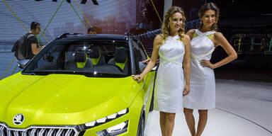 Die heißesten Girls des Genfer Autosalon