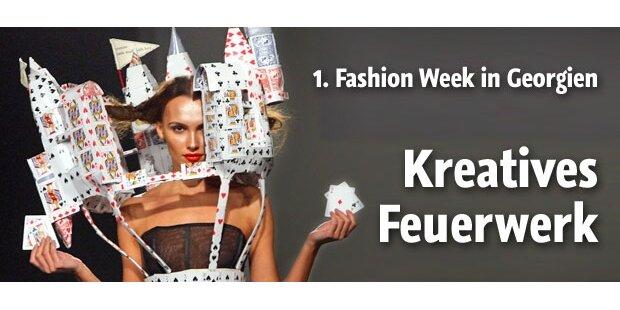 Kreatives Feuerwerk auf 1. Fashion Week