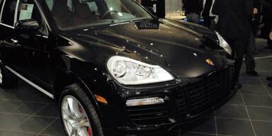 Rätsel um Kopfschuss in Porsche Cayenne