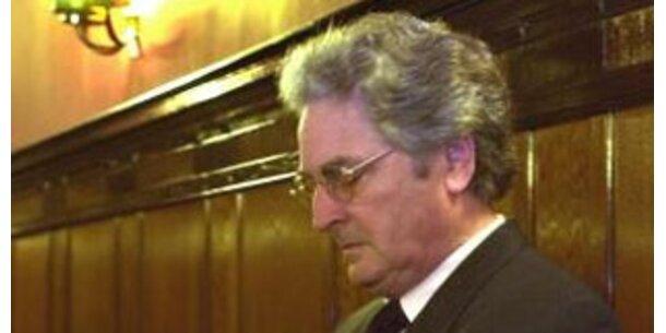 Ex-Konsumchef bekennt sich schuldig
