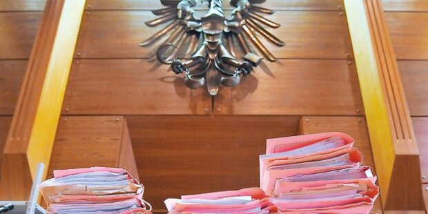Richter nagelte Katze an Wand: Anklage