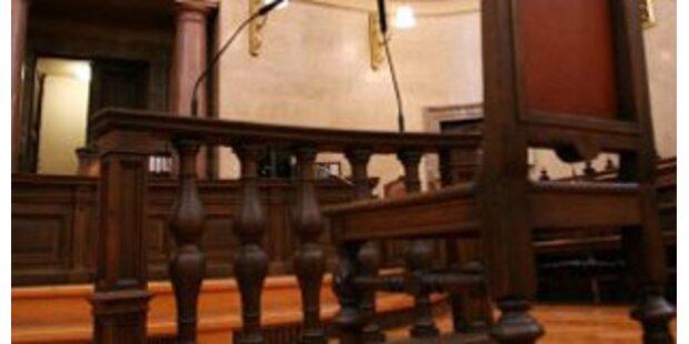 Drei Jugendliche wegen Mordkomplott vor Gericht