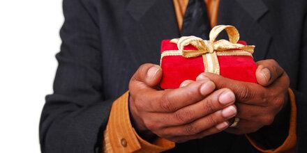 Kleine Geschenke beleben die Liebe