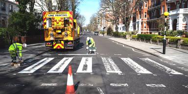 Keine Leute auf den Straßen: Abbey Road kann endlich saniert werden