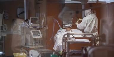 Rückgang der Neuinfektionen – Zahl der Intensivpatienten steigt weiter