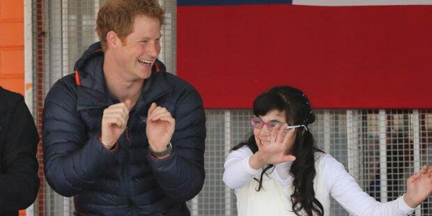 Prinz Harry tanzt Gangnam Style