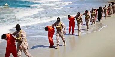 ISIS-Terroristen köpfen 30 Christen am Strand