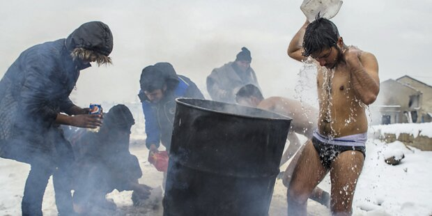 Drama: Flüchtlinge sterben in der Kälte