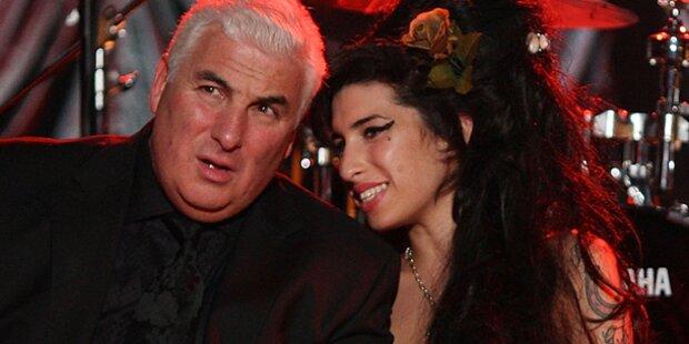 Mitch Winehouse schreibt Buch über Amy