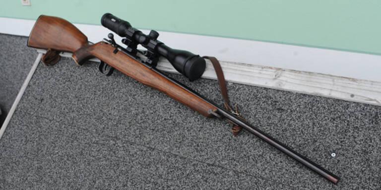 Verwirrter Steirer schießt mit Gewehr um sich