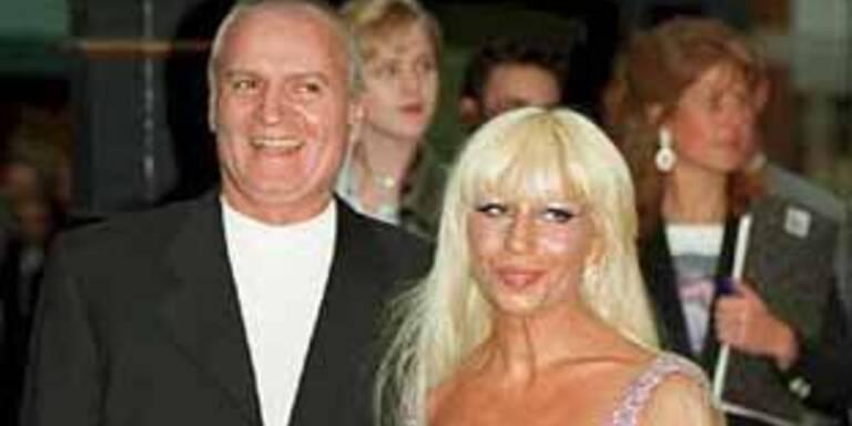 Gianni Versace und seine Schwester Donatella (1995).