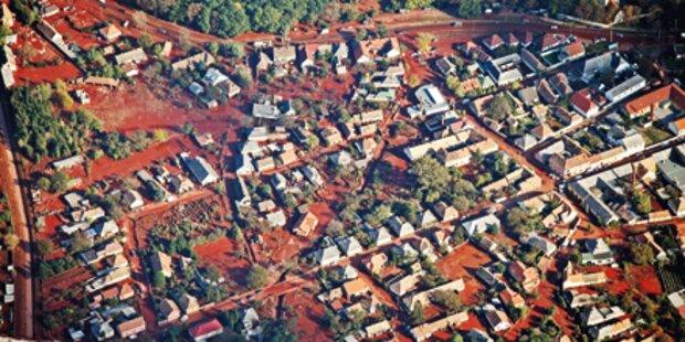 Sperren um Giftschlamm-Dorf aufgehoben