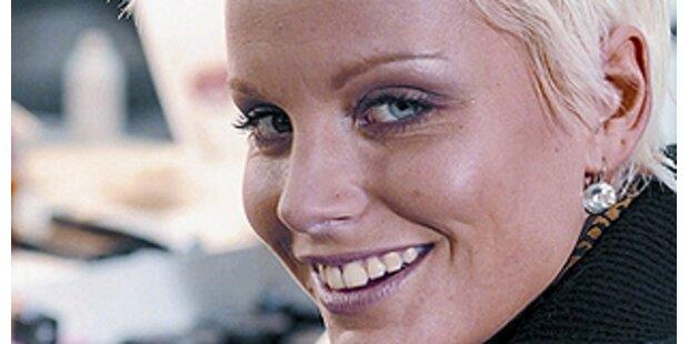 Gina-Lisa tritt in Heidi Klums Fussstapfen