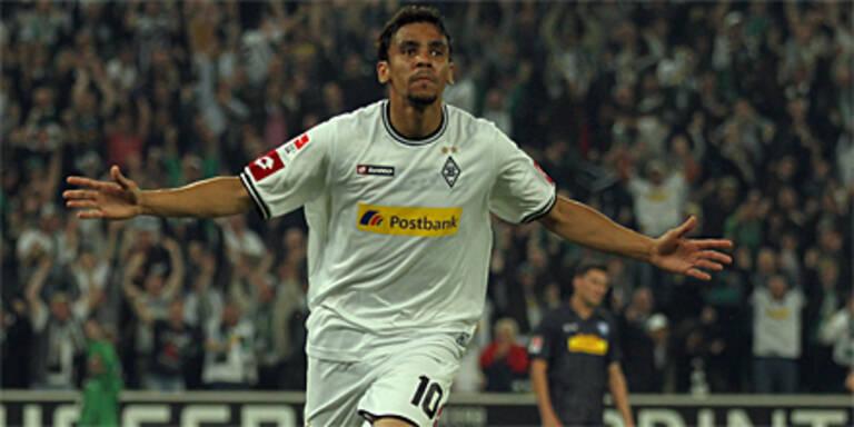 Gladbach gewinnt 1. Relegationsduell