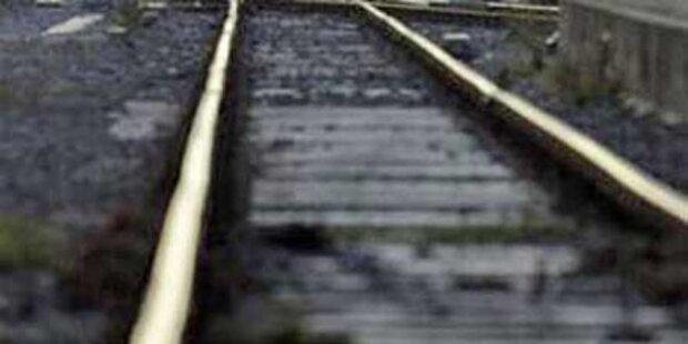 Witzbold blockierte Ostbahn mit Hemmschuh