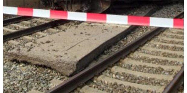 17-Jährige verlor beide Beine bei Bahnunfall