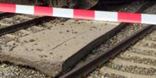 Fußgängerin in Korneuburg von Zug erfasst