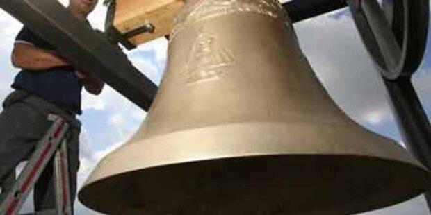 Glocken verstellt: 30.000 Euro Schaden