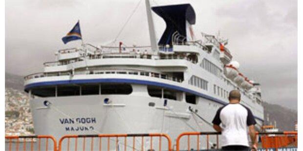Luxusliner gepfändet - 400 Passagiere saßen fest