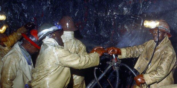 Einsturz in Goldmine: 85 Menschen gefangen