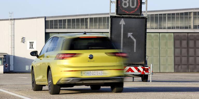 Car-to-X-Kommunikation im Test