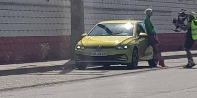 VW Golf VIII völlig ungetarnt erwischt