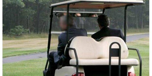 Golf-Cart krachte gegen PKW