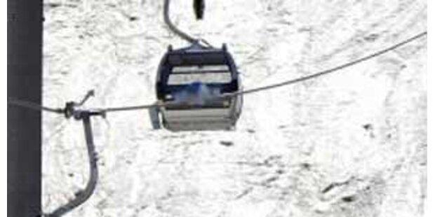 Siebenjähriger stürzt 15 Meter tief aus Gondel