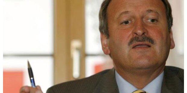 Gorbach soll  Ministeriums-Kasse geleert haben
