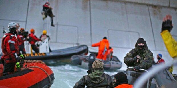 Küstenwache stürmt Greenpeace-Schiff