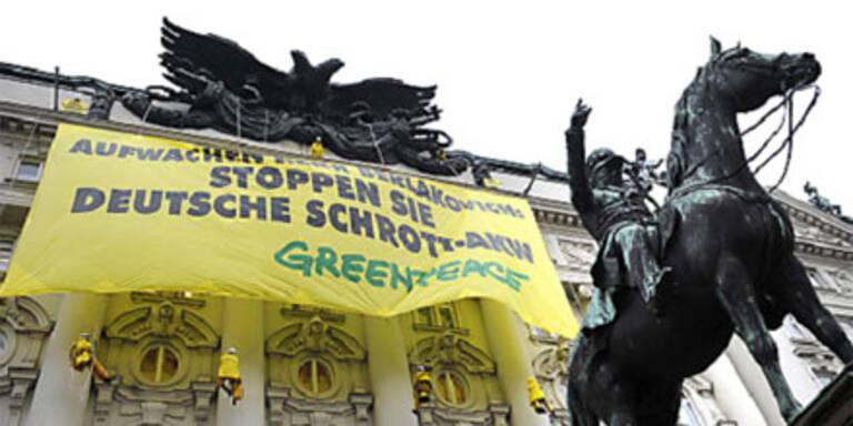 Greenpeace-Protest gegen deutsche Schrott-AKWs