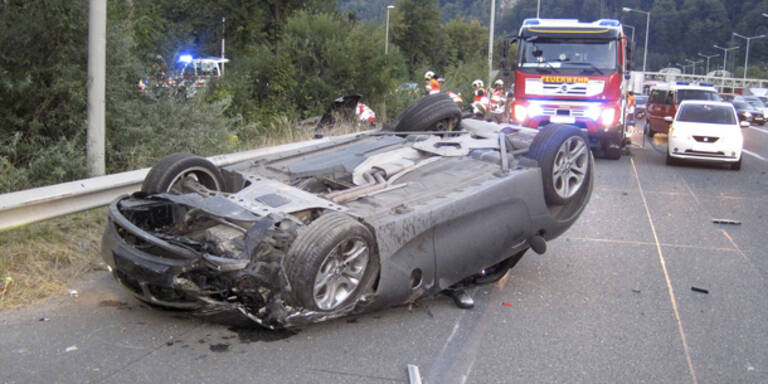 Horror-Crash bei Graz: Ein Toter