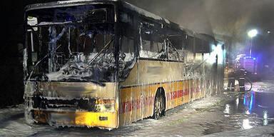 Inferno in Linienbus: 30 Fahrgäste gerettet
