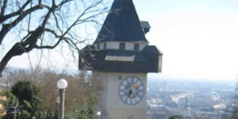 Schwarzfahrer biss Kontrollorin in Graz