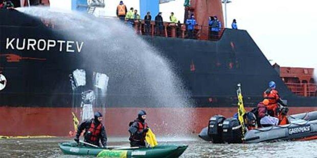 Greenpeace enterte Atommüll-Frachter