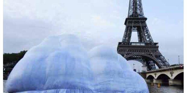 Riesen-Eisberg auf der Seine als Mahnung
