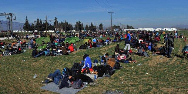 Tausende Flüchtlinge am Südbalkan blockiert
