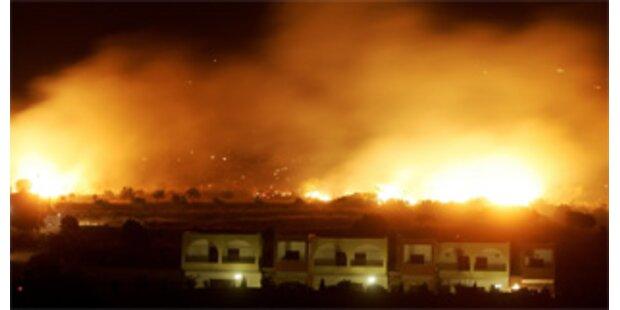 Halb Griechenland brennt