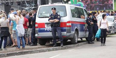 GTI-Fans beschädigten Polizeiauto