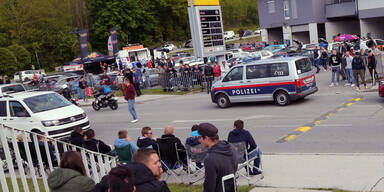 """GTI-Vortreffen: Polizei stoppt """"fahrendes Wrack"""""""