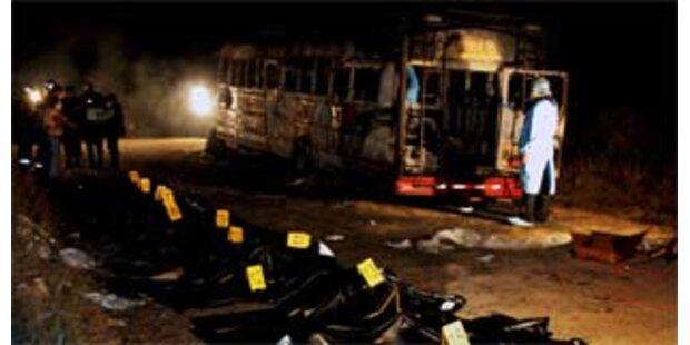Bus-Brand-Opfer wurden vor dem Feuer erschossen