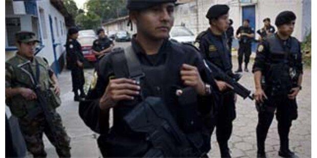 Häftlinge töteten Gefängnisdirektor und Aufseher