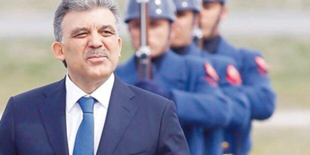 Kurden demonstrieren gegen Gül-Besuch