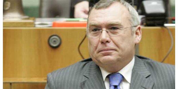 SPÖ-Minister verteidigen Kanzler