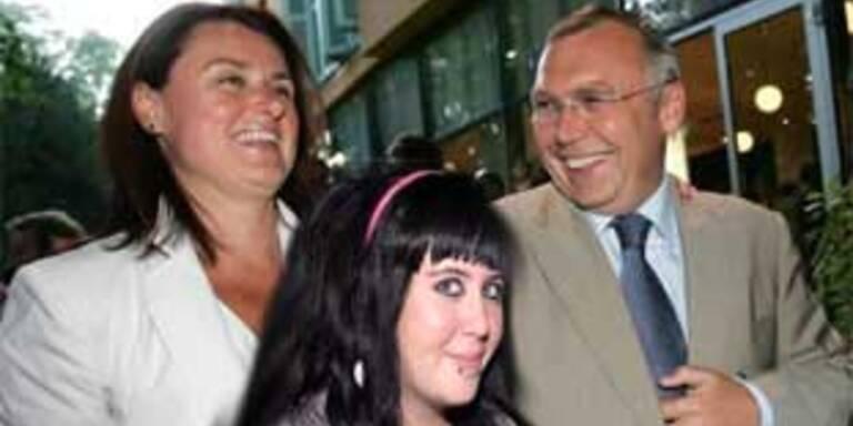 Kanzler Alfred Gusenbauer mit Lebensgefährtin Eva Steiner und Tochter Selina