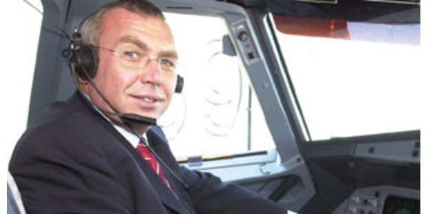 Gusenbauer legt Bonuskarte für Flugmeilen zurück